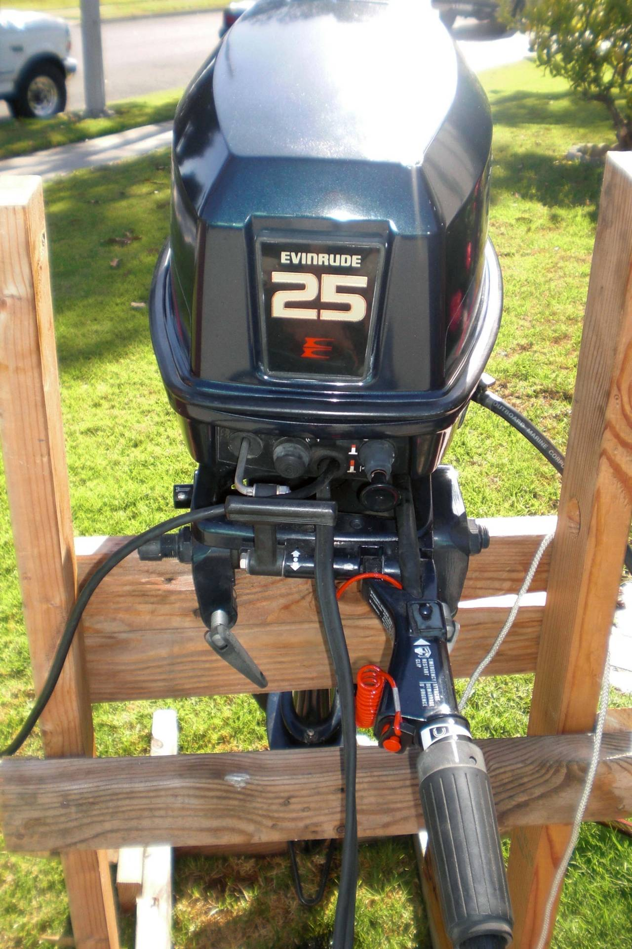 25 Hp Evinrude For Sale >> 1995 Evinrude 25hp long shaft | Bloodydecks