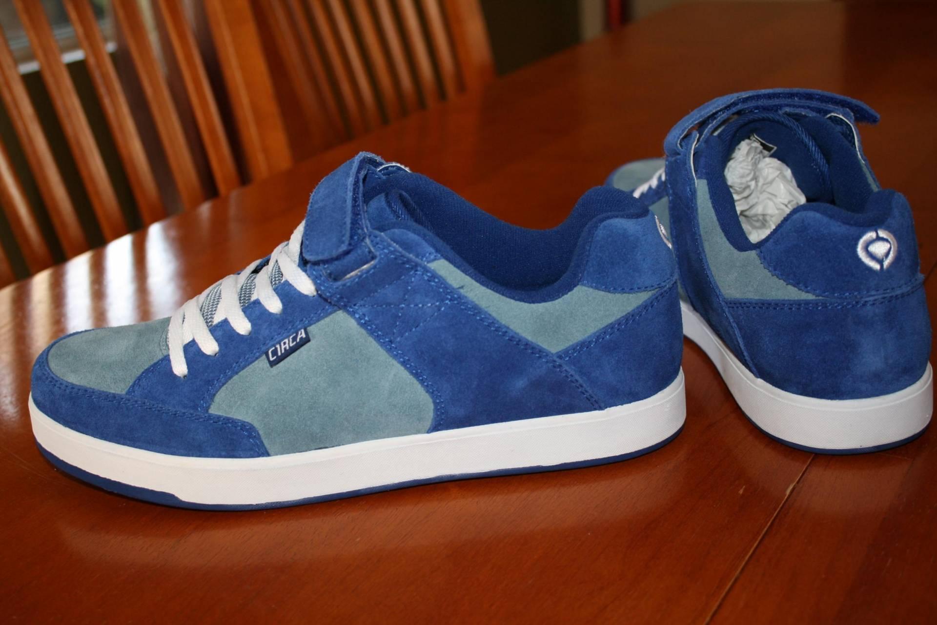 Skate shoes size 9 - File Size 181 Kb