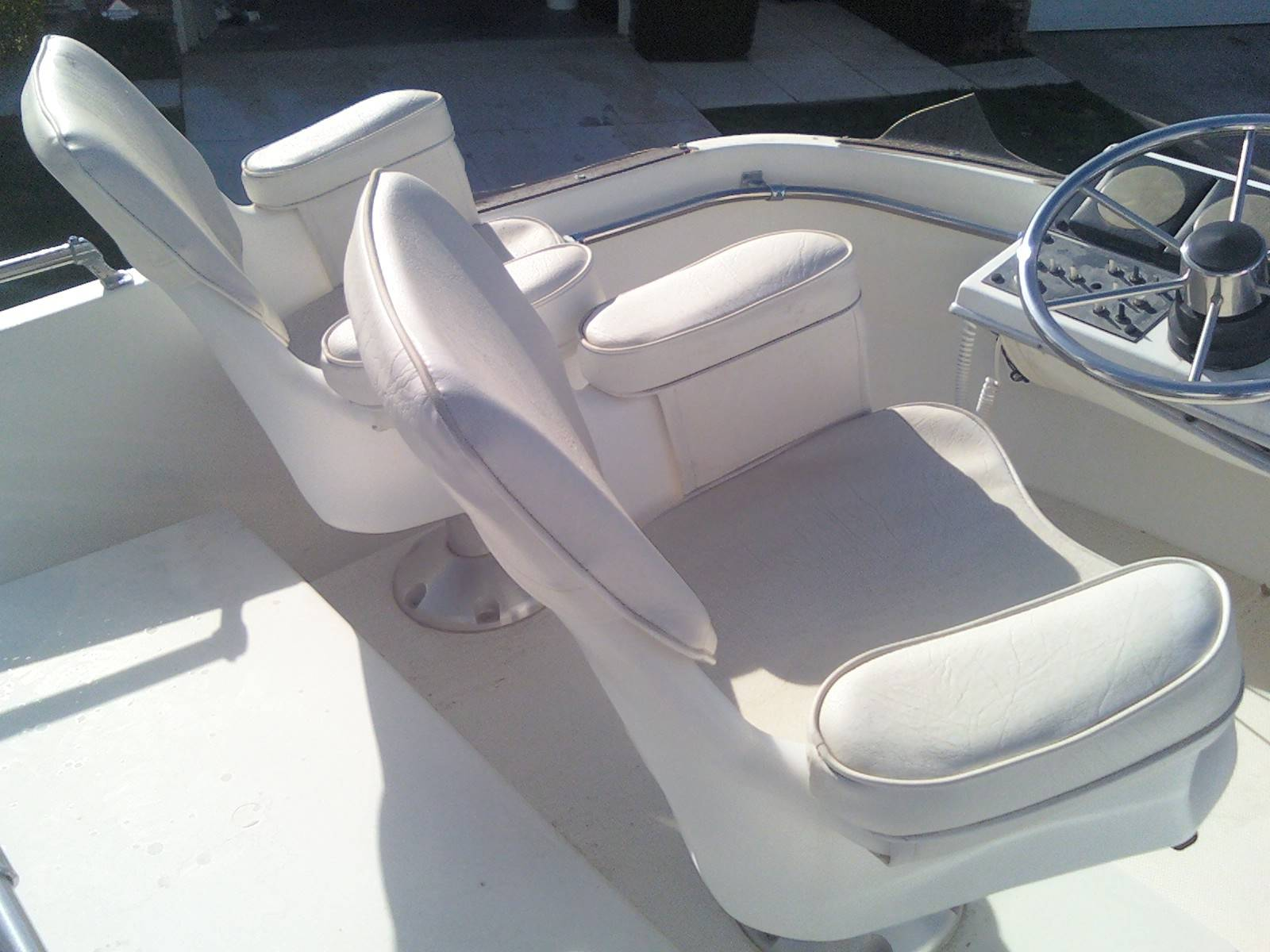 Boat captains chairs - Boat Flybridge Captain Chairs Jpg