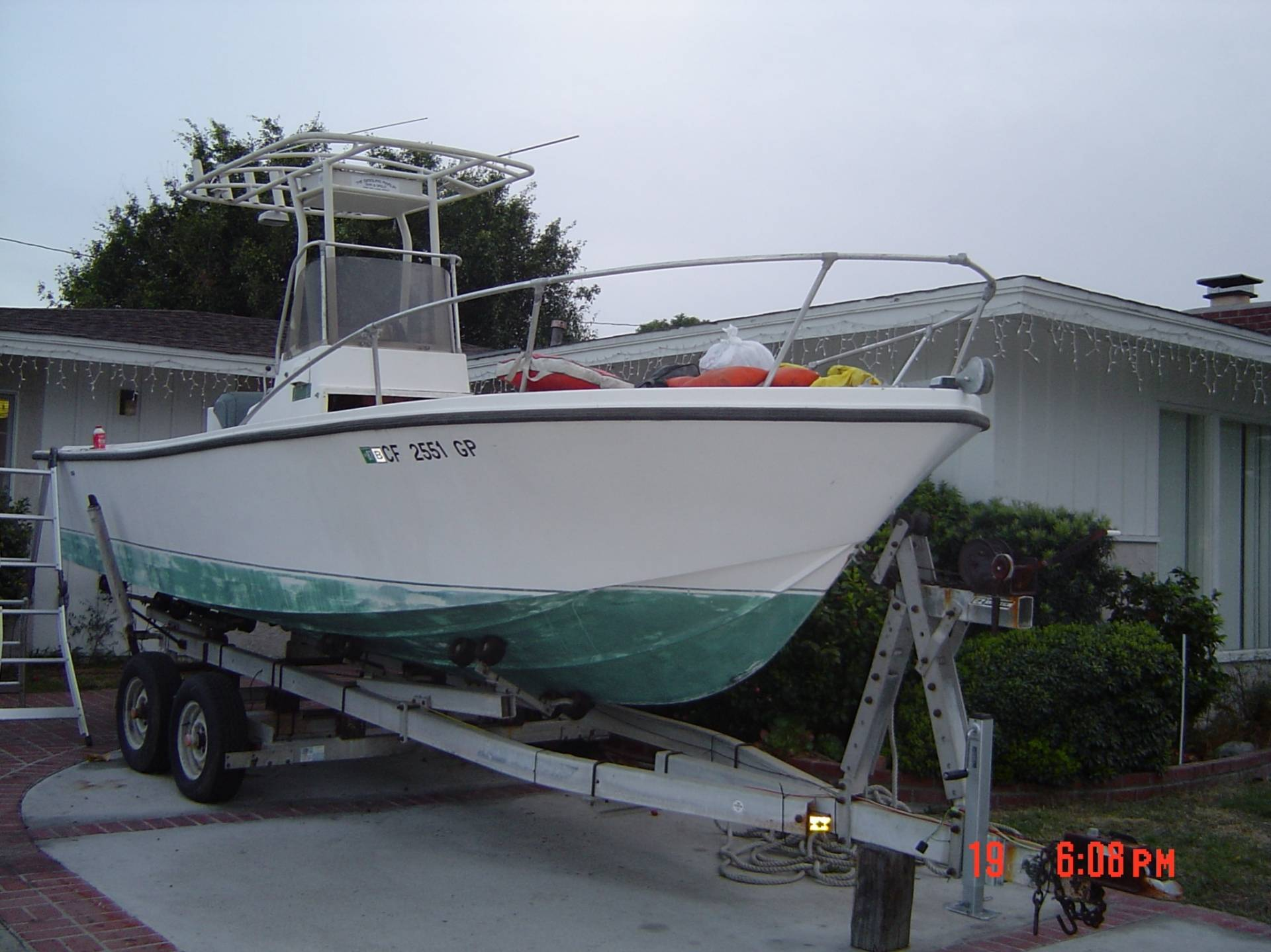 1979 mako 23ft center console project boat bloodydecks for Center console fishing boats for sale