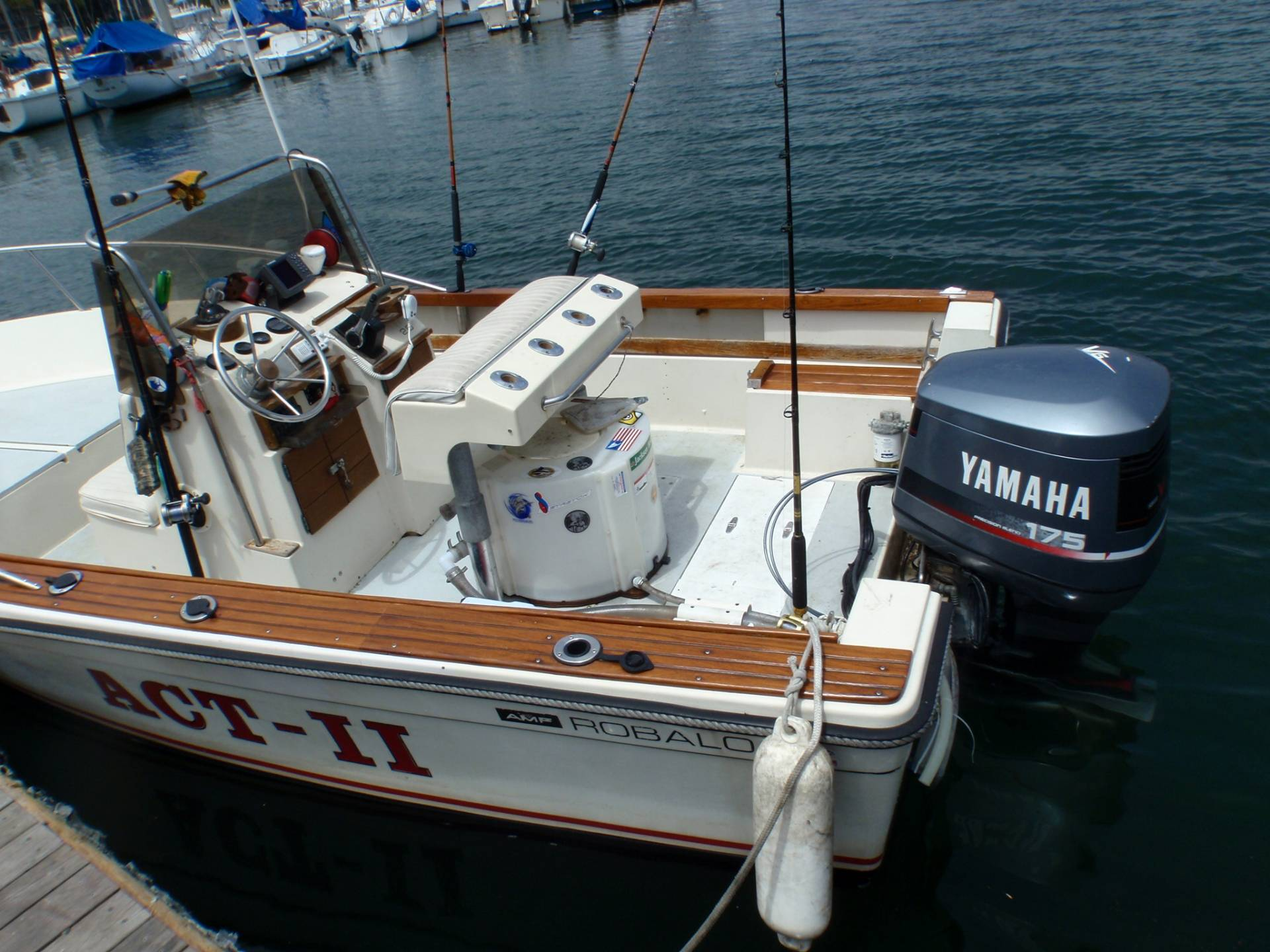 20 Ft Robalo Center Console 175 Hp Yamaha Outboard