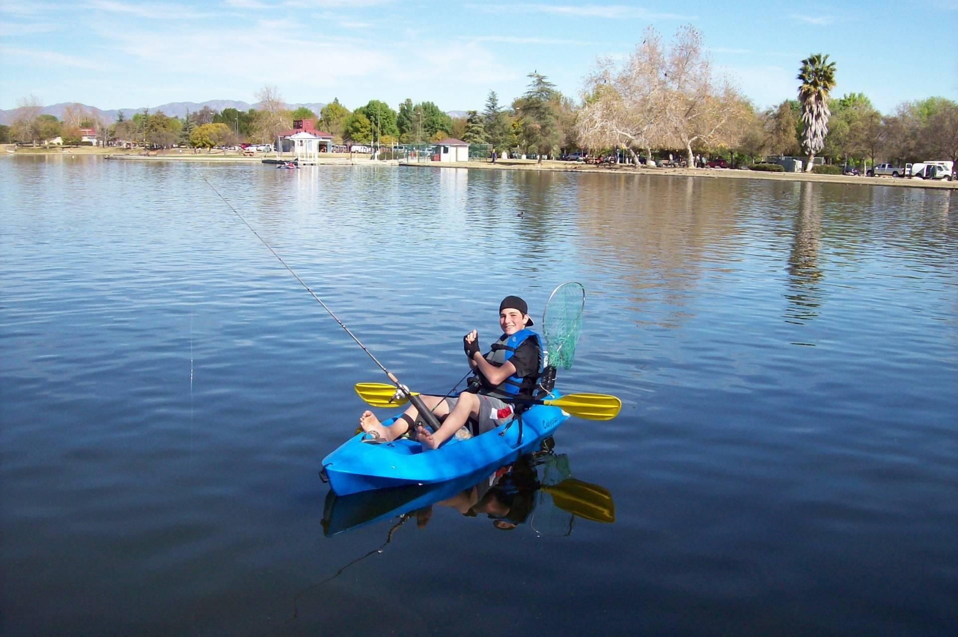 Kayak fishing in lake balboa bloodydecks for Balboa lake fishing