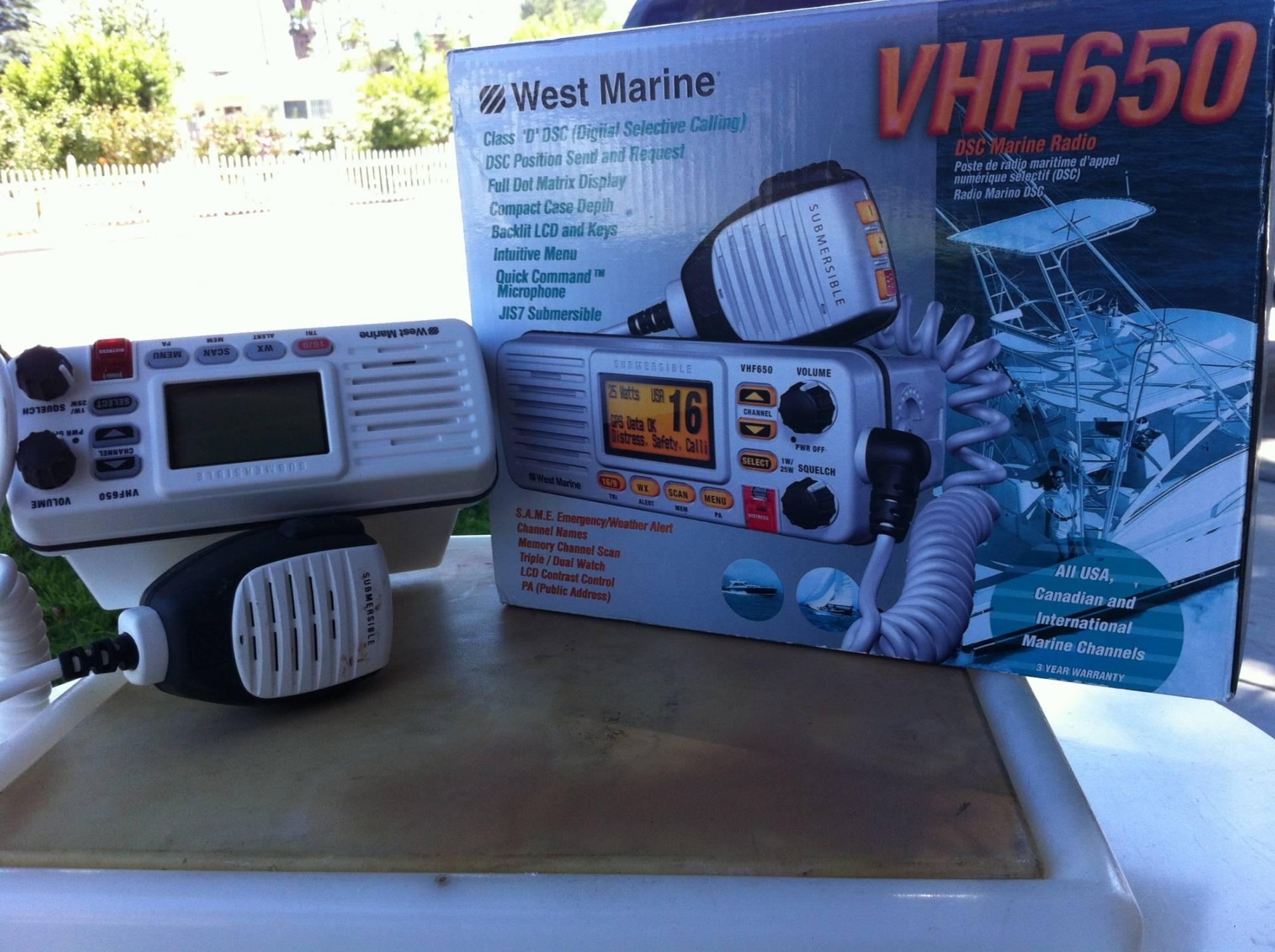 West Marine VHF650 Radio | Bloodydecks