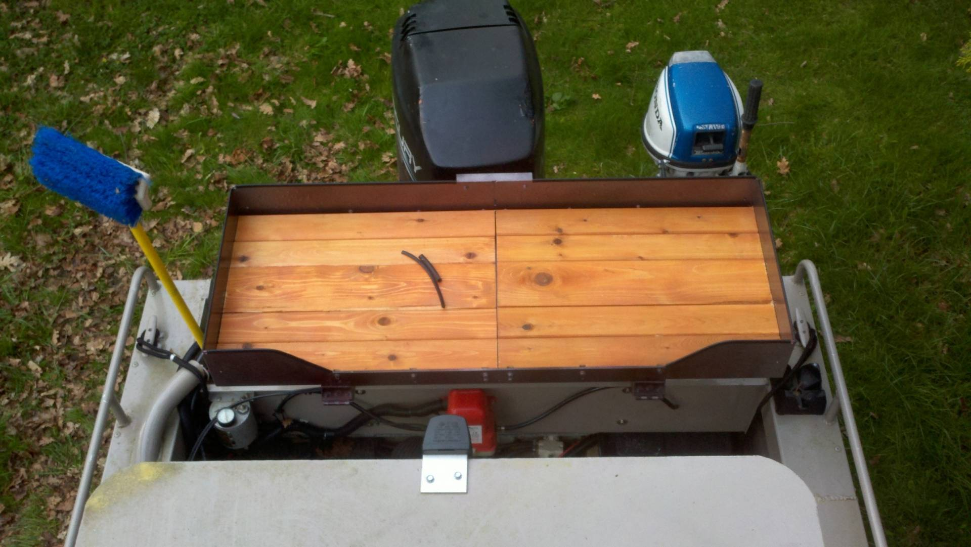 Homemade fish cleaning station bloodydecks for Homemade fish cleaning table