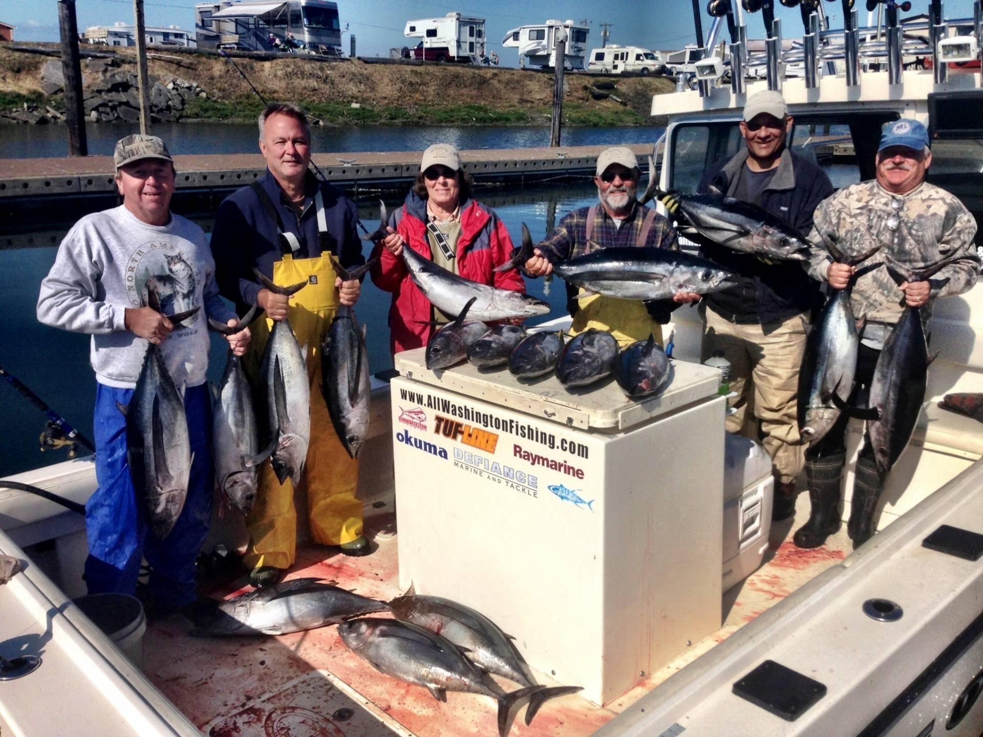 Team defiance arsc tuna salmon westport puget sound for Westport charters fishing report
