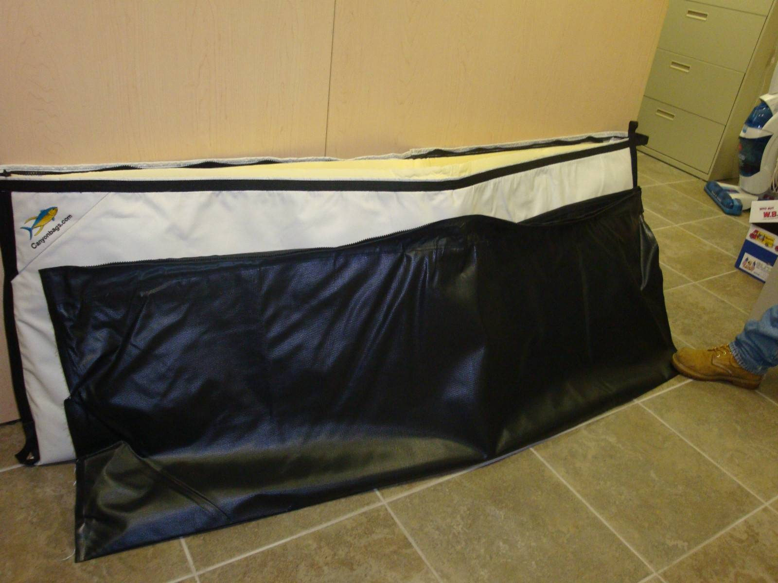 Brand new extra large insulated fish bag bloodydecks for Insulated fish bag