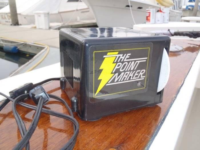 The Point Maker (electric hook sharpener) Bloodydecks
