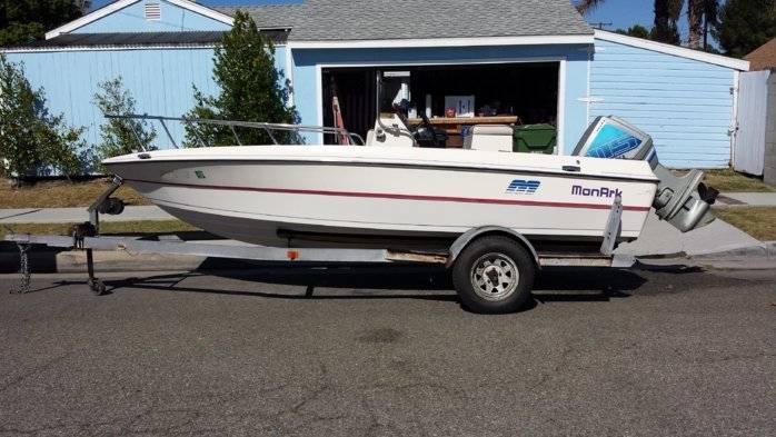 Monark center console bloodydecks for Monark fishing boats