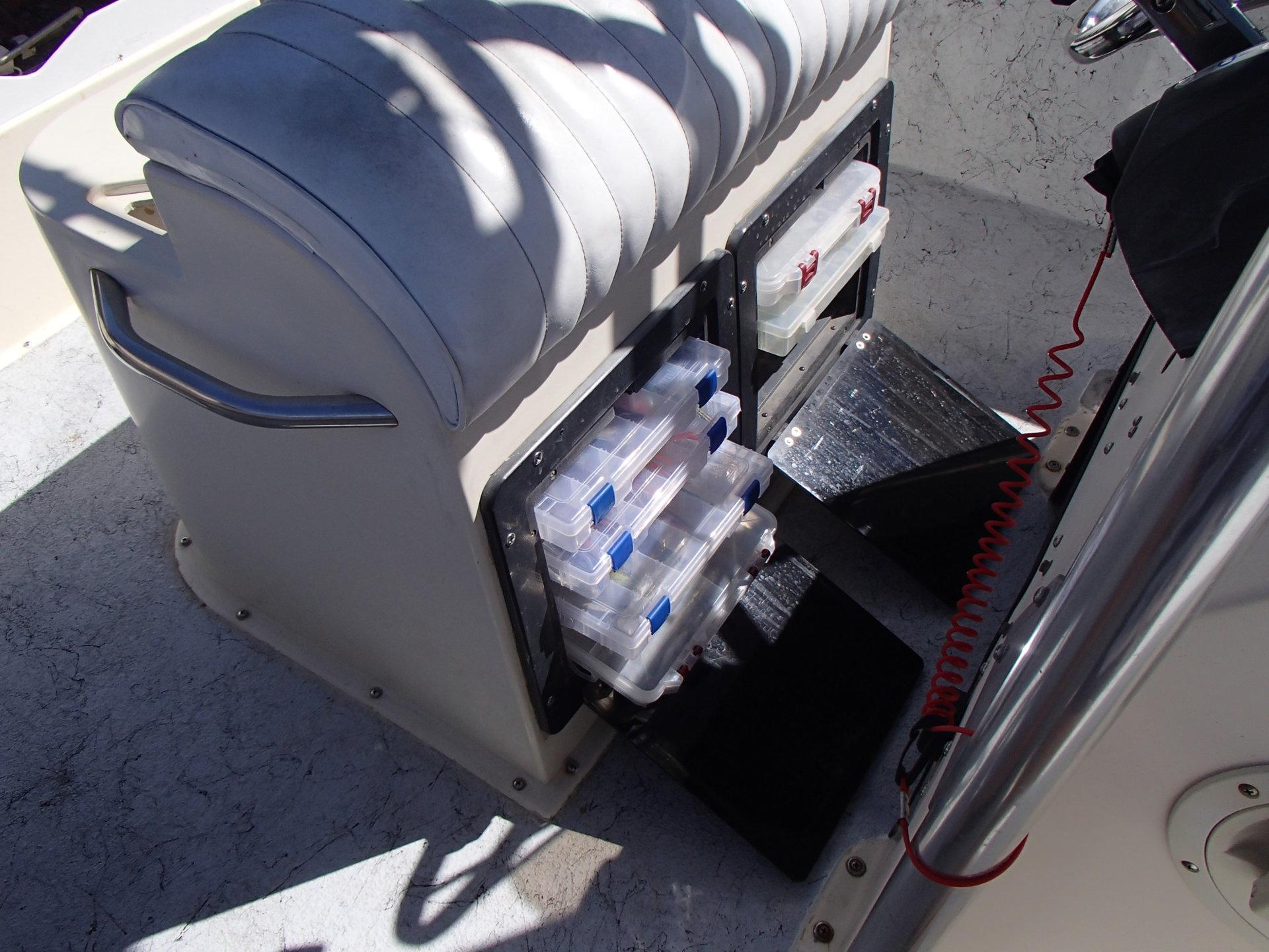 Bait Tank / Seat / Leaning Post for 18 Grady White CC   Bloodydecks