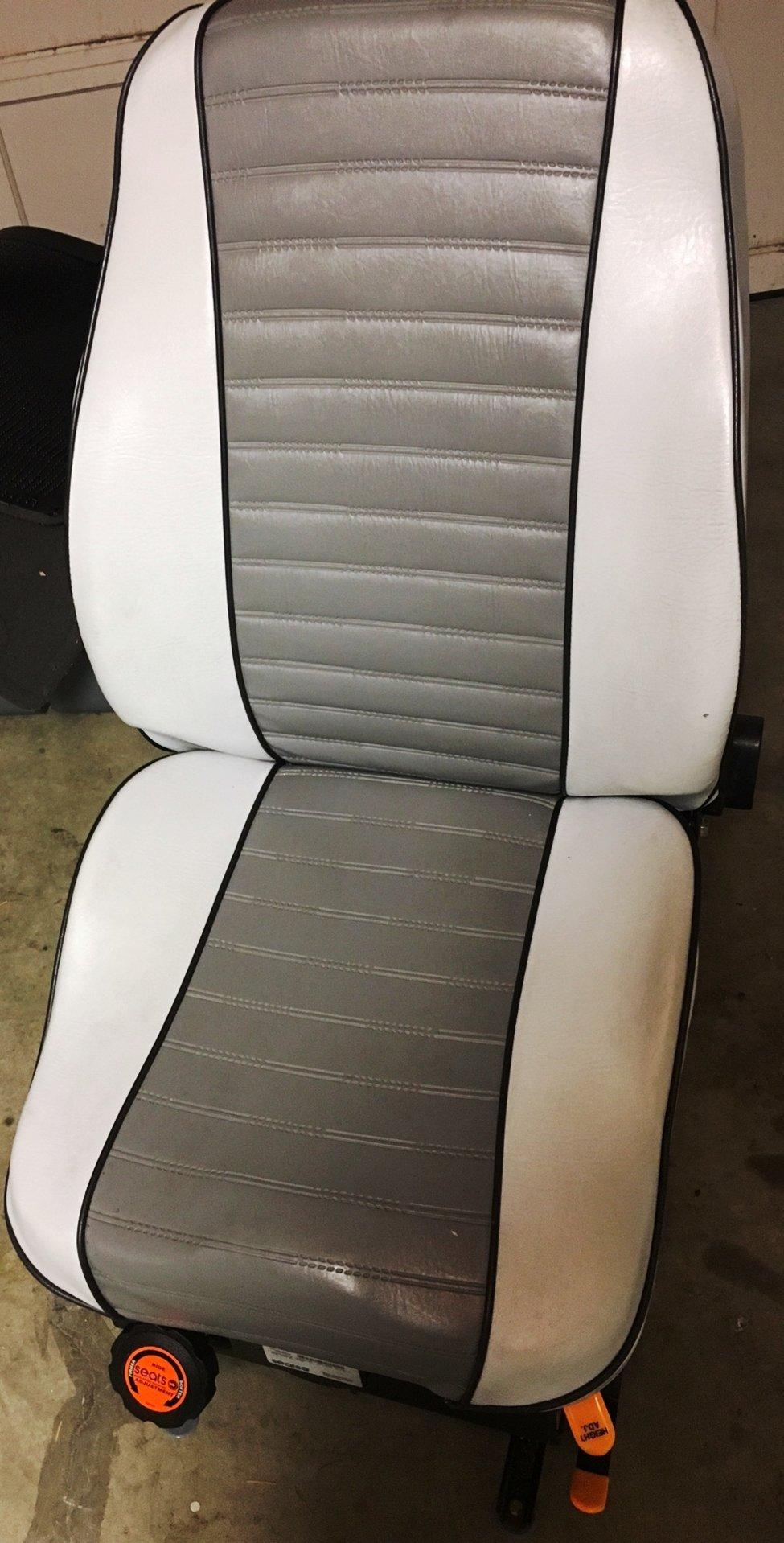 North River Mariner Suspension Seats   Bloodydecks