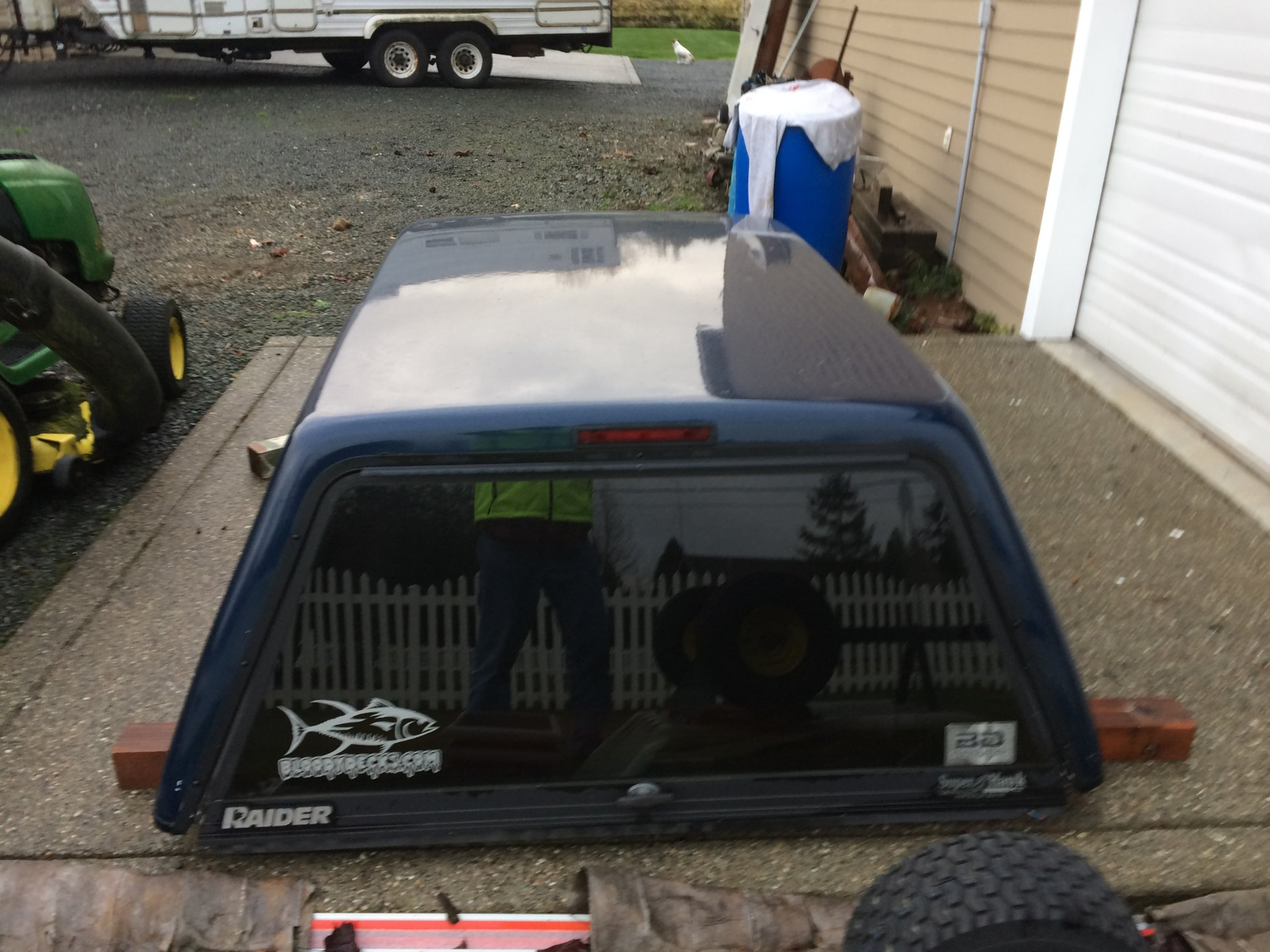 this is a full size Raider truck canopy for sale this came off my 1995 GMC 3500 pick up. it is in really good shape. locking rear window. : raider canopy - memphite.com