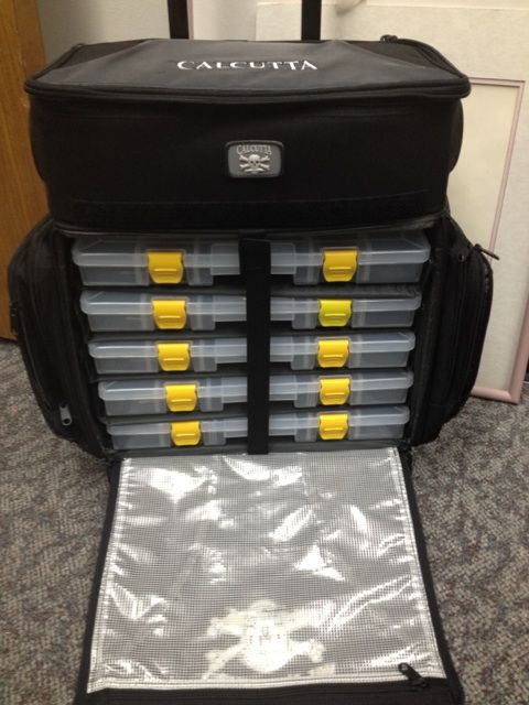 Fs Brand New Large Calcutta Rolling Tackle Bag Bloodydecks