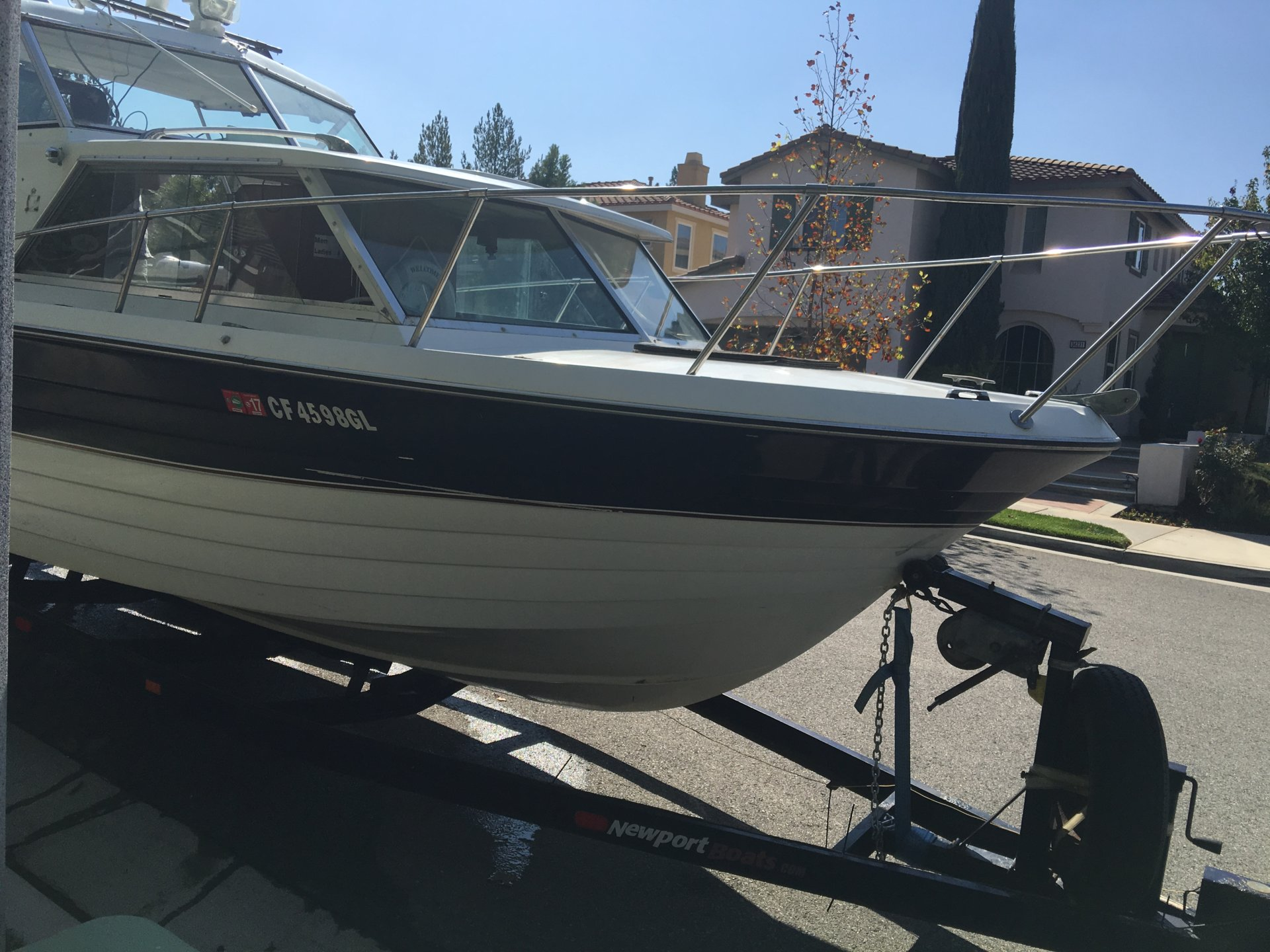 4 Foot Led Lights >> 1978 Bellboy 25ft Cabin Cruiser(needs some work) free!!! | Bloodydecks