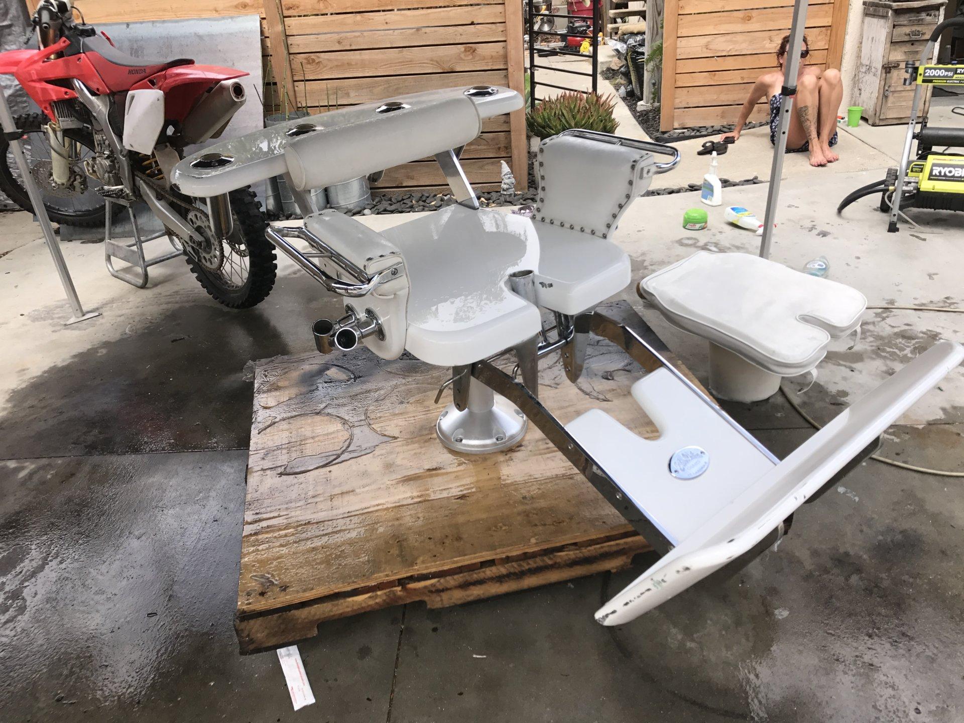 Complete in good working condition. Minor scuffs/scratches & Blue water fighting chair $3000   Bloodydecks