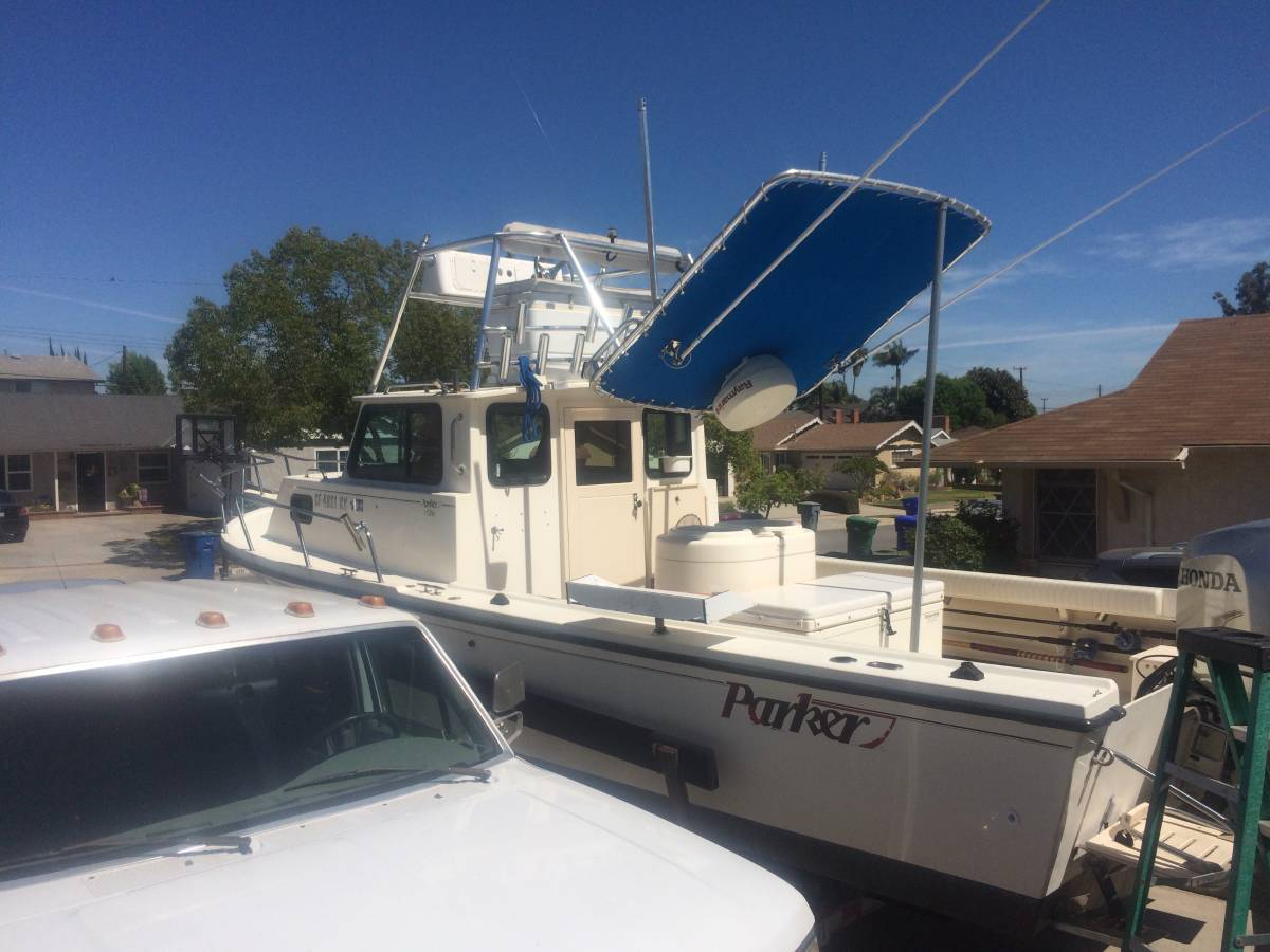 For Sale - 2000 Parker 2520 Sport Cabin Fishing Boat