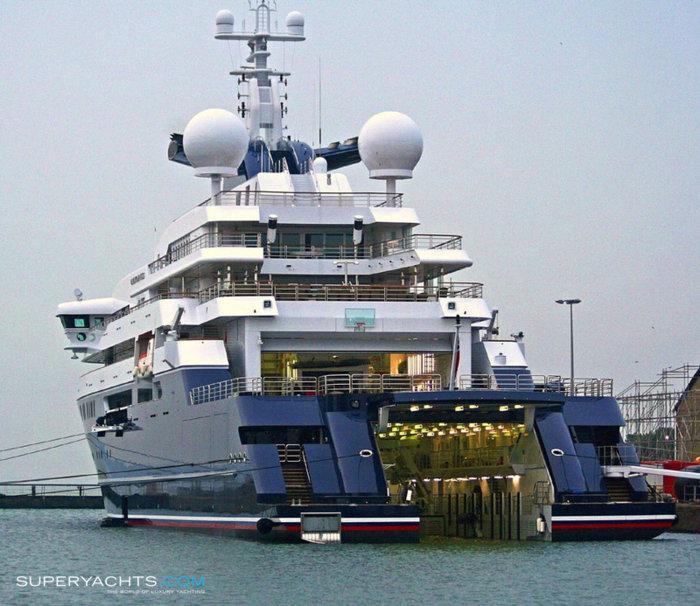 superyacht-octopus-31192.jpg