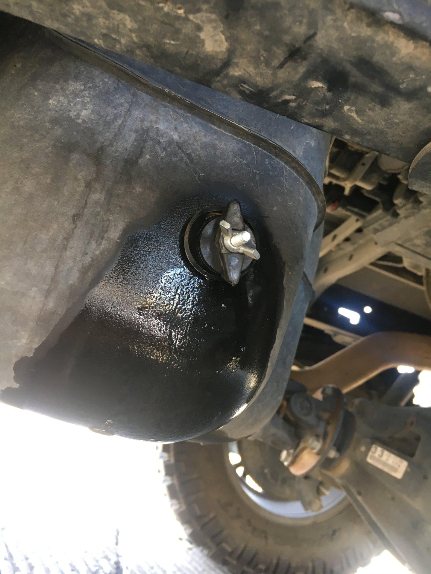 Nissan Qashqai 2018 >> Tundra fuel tank drain plug or ?? | Bloodydecks