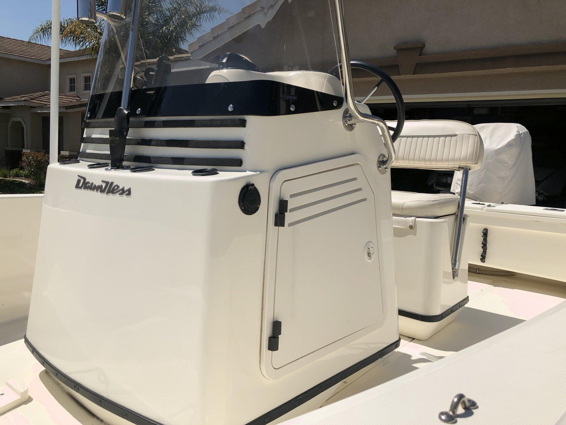 For Sale - Boston Whaler Dauntless 18 Yamaha SWSII 150