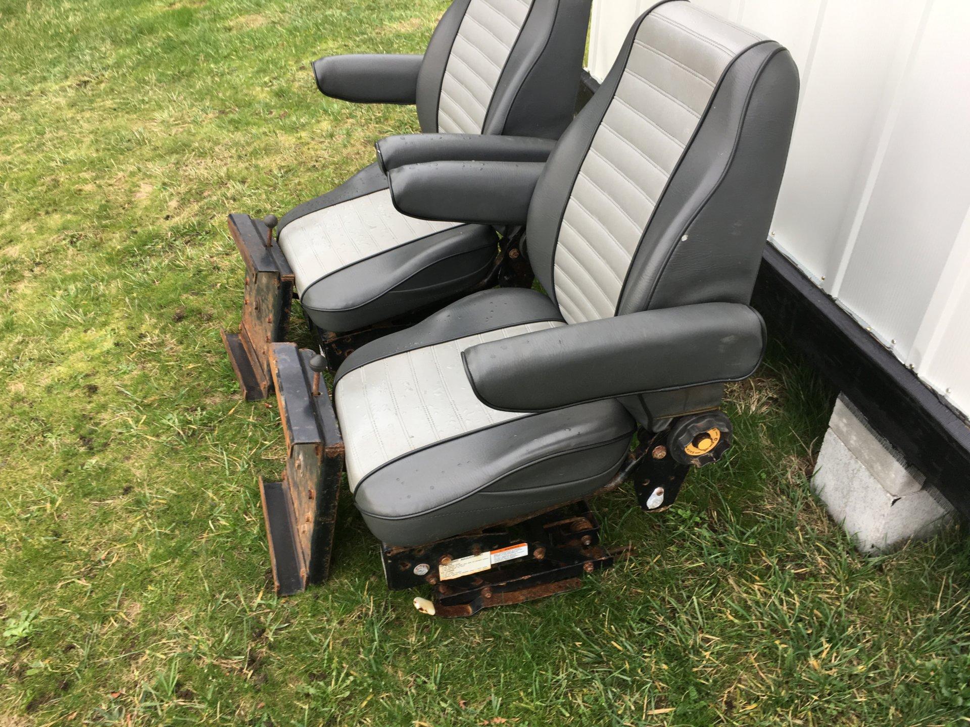 Free Mariner suspension seats | Bloodydecks
