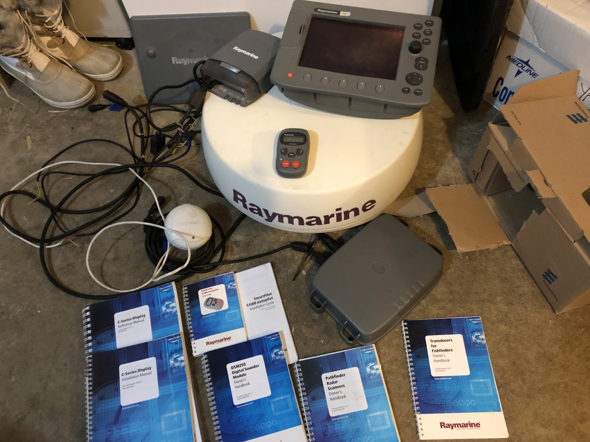 Raymarine C80 + radar +    | Bloodydecks